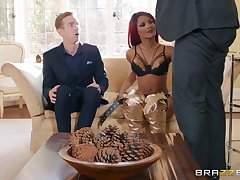 redhead skirt Kiki Minaj gets fucked by steadfast cock while she moans