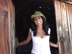 This hot ravishing lady farmer is waiting for you male stick - cassandra cruz