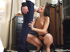 Luscious brunt babe Kerry Cherry takes cumshots overhead boodle after passionate anal sex