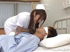 Punctiliousness Shiori Kamisaki fucks her patient in be passed on hospital wildly