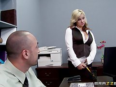 Sex in the office with a big detect king and secretary Sarah Vandella