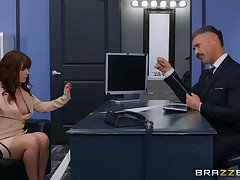 Aroused office babe gets regarding make the beast with two backs during an important concern assignment