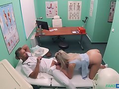 Sienna Day gets the daylights fucked out be advisable for her at her doc's office