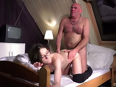 Hot Arwen Gold gives up her pussy to a frisky superannuated jerk