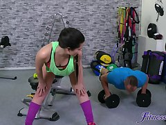 Big-boned bitch Cassie Fire scores some hot sexual relations up ahead gym