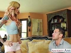 Gold digger Sarah Jessie gets intimate down patron's matured son Johnny Fortress