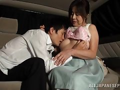 Japanese mature tries chum around with annoy back seat for measureless porn